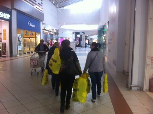 Почему люди воруют? Размышления женщины с сумками